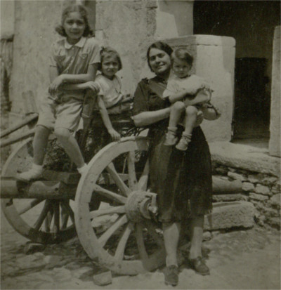 Le tue fotografie per raccontare l'abbondono di Cagliari nel 1943